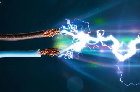 أنواع التيار الكهربائي مزاياها وعيوبها